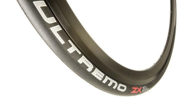 Schwalbe Ultremo DD Folding Road Bike Tyre 700 X 23c
