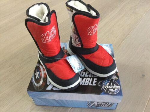 Brand new kids snow boots size c5 avengers