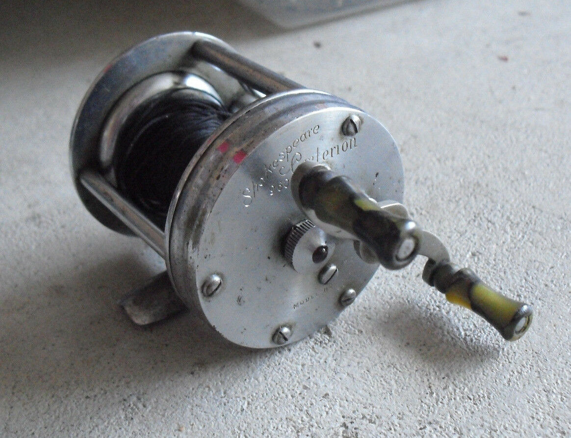 Vintage Shakespeare Criterion 1960 Model HE Fishing Reel LOOK