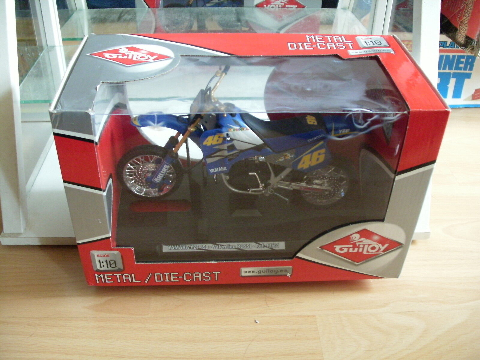 Guiloy Yamaha YZF 450 Valentino Rossi  46 in blu on 1 10 in Box