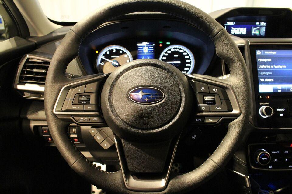 Subaru Forester 2,0 e-Boxer Summit L-tr. Benzin 4x4 4x4
