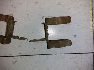 1-84-88-Toyota-Pickup-Distributor-Coil-Round-Plug-Retainer-Clip-22R-22RE-4Runner