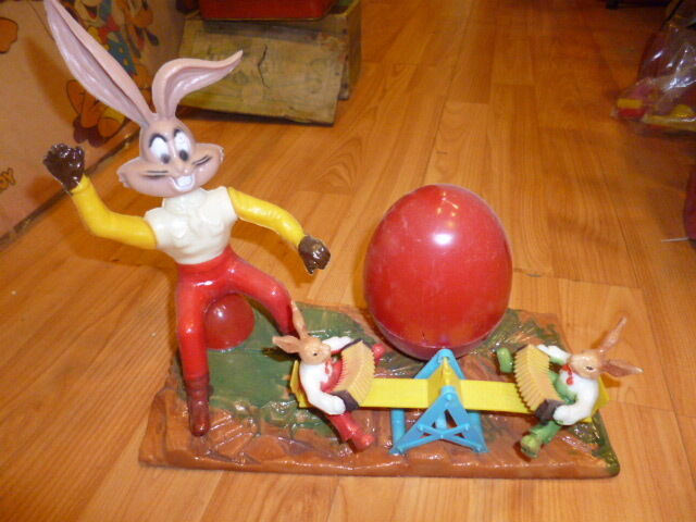 AMAZING VINTAGE RARE GREEK HARD PLASTIC BUGS BUNNY EASTER FUN PENNY TOY 60s