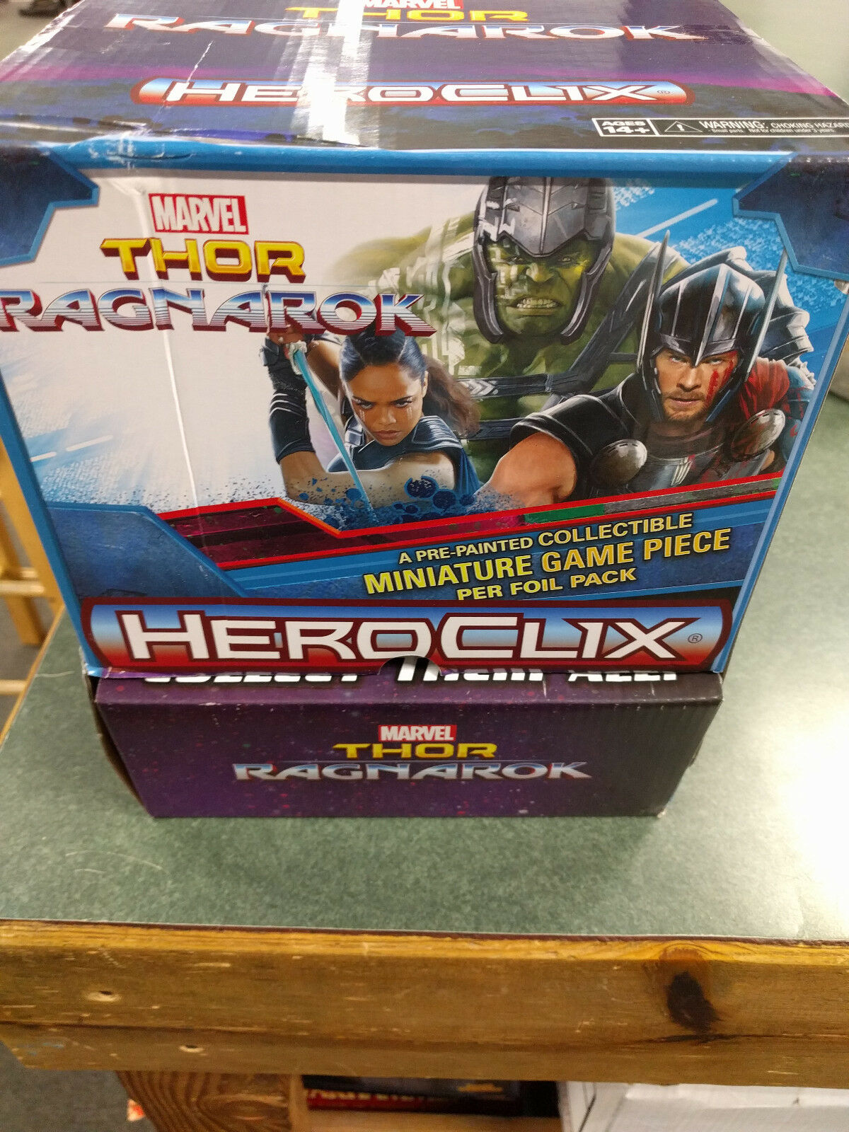 Thor Ragnarok Heroclix Box      Marvel New