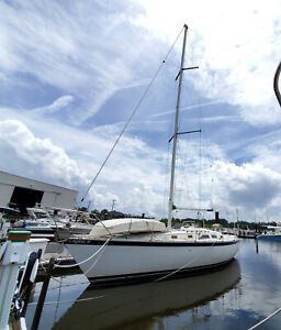 34 - Hunter 34 Sailboat  - Blue Water Proven- Good Condition