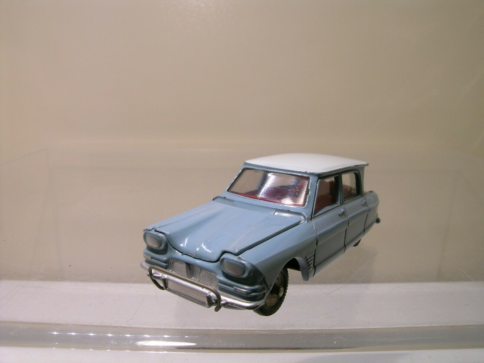 DINKY TOYS FRANCE 557 CITROËN AMI 6 FIRST TYPE LIGHT bleu CREAM ROOF 1 43