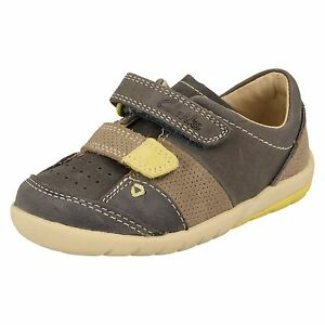 Détails sur Garçons Clarks Premières Chaussures Doucement Mac FST