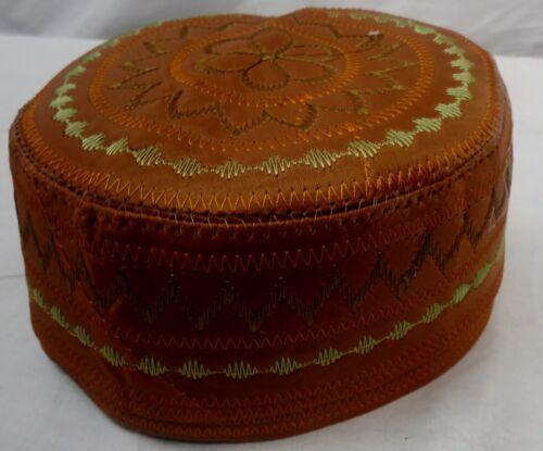 Tajikistani mots para hombre Sombrero cráneo casquillo Namaz Topi Cosido Bordado Diseño 56cm
