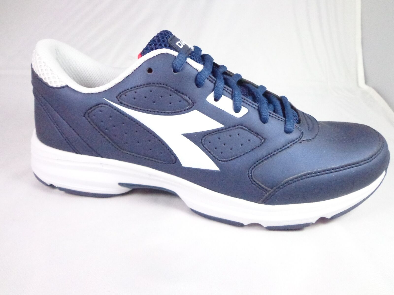 NWOB Diadora  Bright Men's Running Shoe Saltire Navy white Size 8.5 US