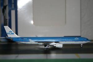 Aeroclassics-1-400-KLM-Airbus-A330-300-PH-AKD-ACPHAKD-Die-Cast-Model-Plane