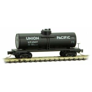 Union-Pacific-39-039-Single-Dome-Tank-Car-Z-Scale-MTL-530-00-391-Rd-69657