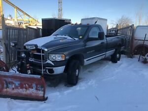 2003 Dodge Ram 2500 with snow plow