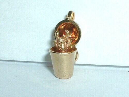 VINTAGE 14k YELLOW GOLD DEVIL IN COCKTAIL SHAKER C