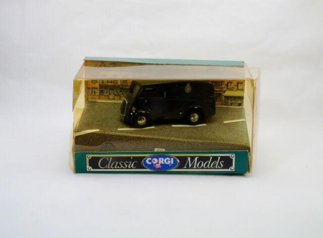 Corgi Toys D983  Morris J Van Police  Neuf/Boîte  (#A3b)