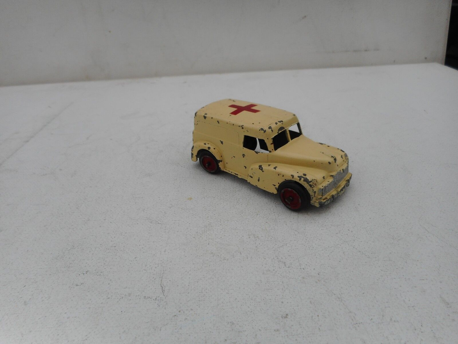 SEPTOY DIECAST DIECAST DIECAST BELGIE  VINTAGE 1 43 AMBULANCE USED CONDITION  RARE SELTEN    2a95cd
