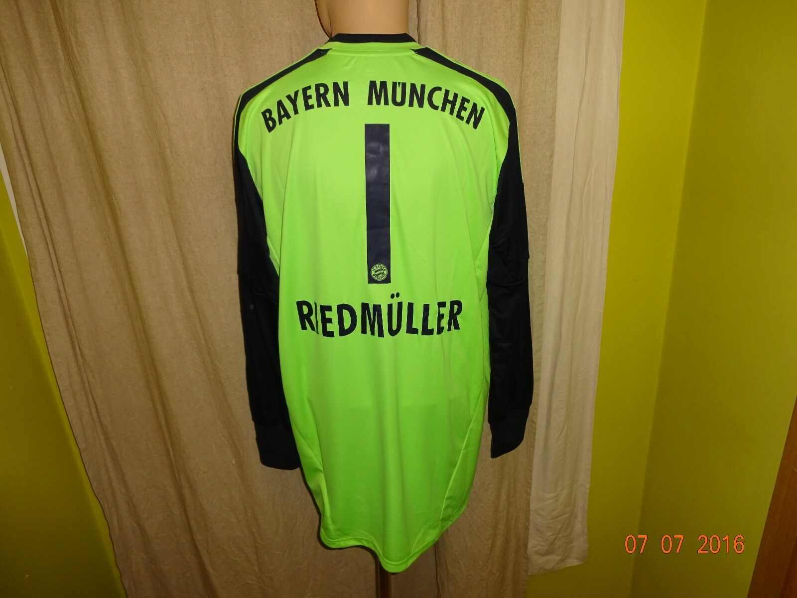 FC Bayern München Adidas Torwart Trikot 12 13  -T--  + Nr.1 Riedmüller Gr.XL Neu  | Zu einem niedrigeren Preis