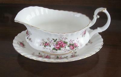 ROYAL ALBERT LAVENDER ROSE Gravy Sauce Boat and Under Tray