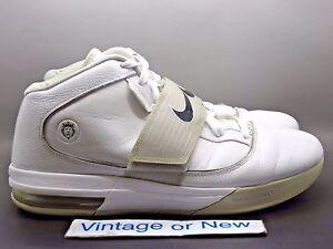 c45fcb3c80b1 Nike Zoom Soldier IV 4 TB LeBron White Silver Black 2010 sz 13