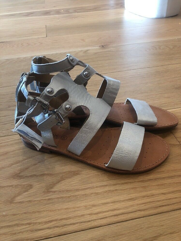 BRAND NEW STUNNING LEATHER GEOX Sandals Size 36
