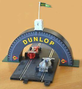 Escala-1-32-de-2-carriles-Dunlop-Neumatico-Puente-para-Scalextric-Otros-Disenos-estatica