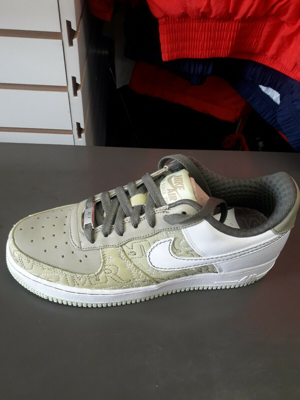 Nike Air Force 1 låg högsta kvinnor Storlek 8.5 skor