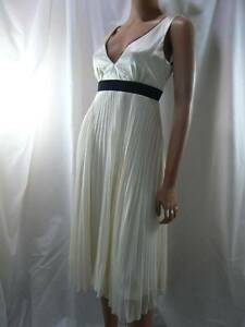 Max And Cleo Bcbg Ivory Silk Accordion Pleated Vneck