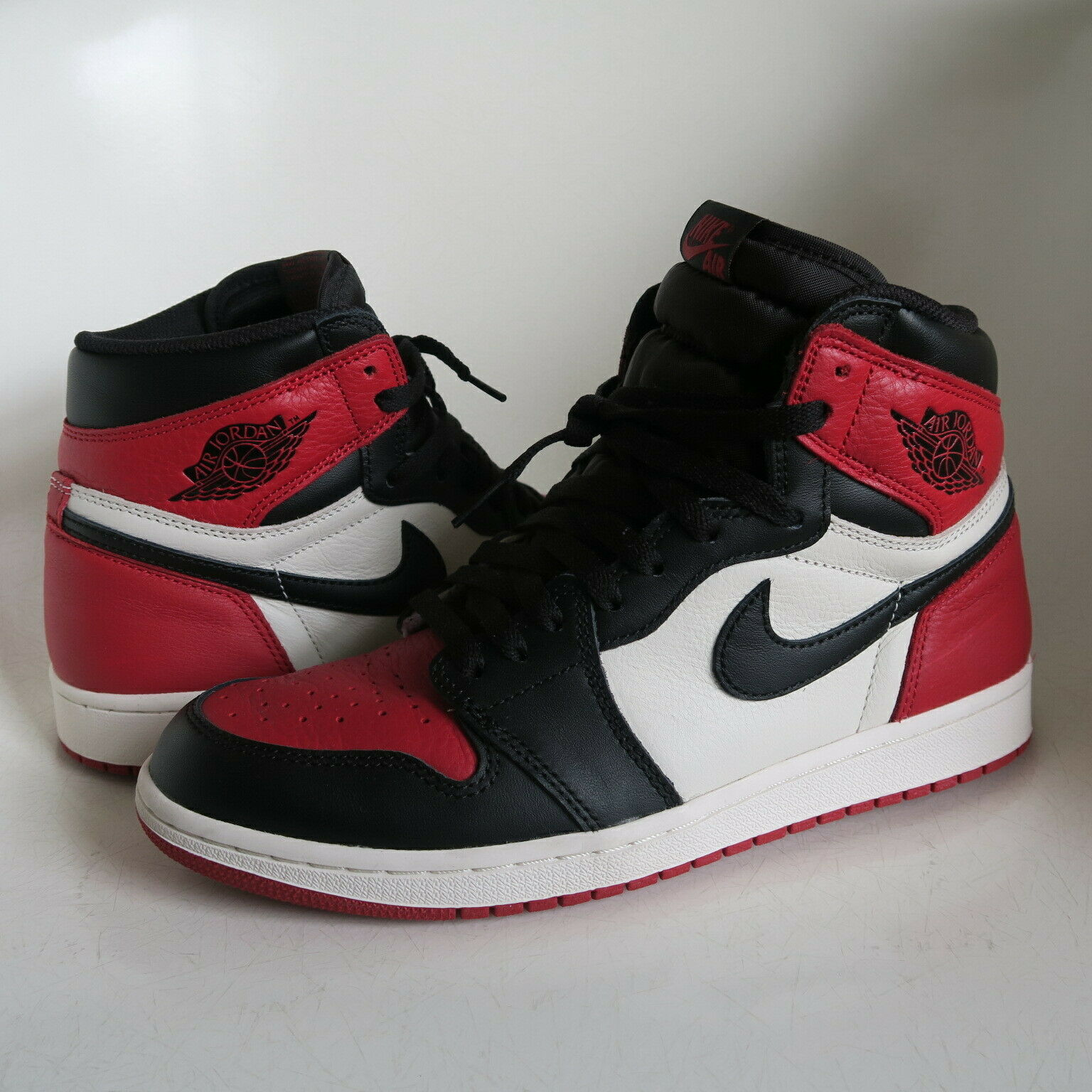 Nike AIR JORDAN I 1 RETRO HIGH OG BRED TOE US SZ. 9 Black Gym Red OFF White