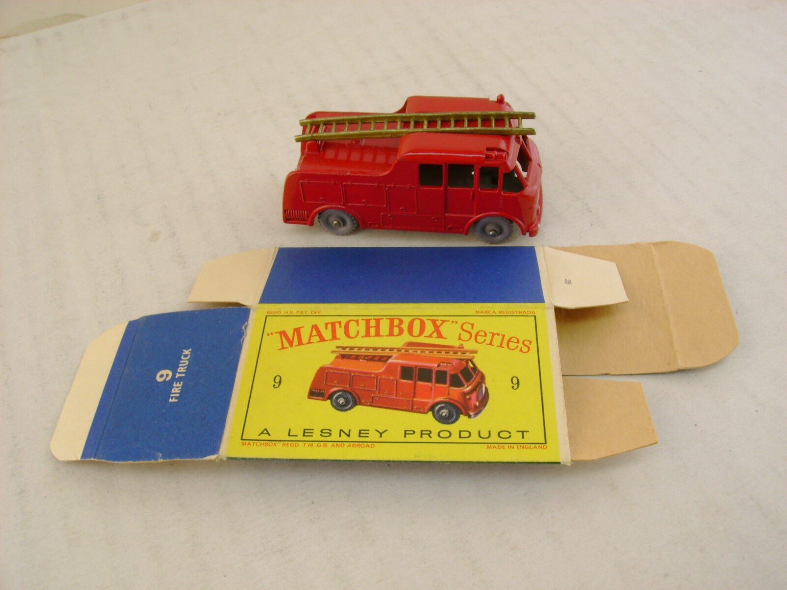 MATCHBOX LESNEY  9C-2 MERRYWEATHER FIRE FIRE FIRE ENGINE KGPW-R/A WITH ORIGINAL BOX a2cd85