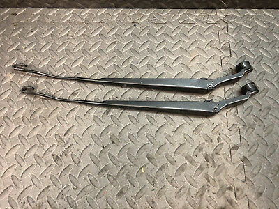 8522104010 1995 to 2004 Toyota Tacoma Wiper Arms Pair 8521104010