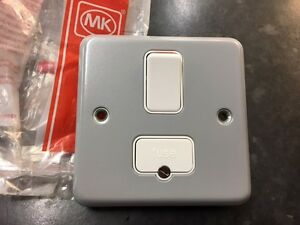 MK Metalclad Plus K942 ALM 13a Surface Switched Fused Connection Unit New