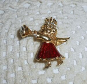 Vintage-Enamel-Christmas-Angel-Blowing-Horn-Brooch-Pin-Gold-Tone-C150