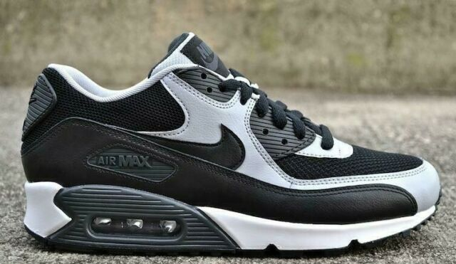 le dernier ea166 4ac0c Nike Air Max 90 Essential Black Wolf Grey Size 9.5 10 10.5 gray 2015