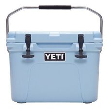 Yeti Cooler Roadie 20Qt Ice Blue YR20B