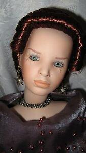 Uta-Brauser-Elite-Dolls-Porcelain-hand-Painted-Doll-Isabella