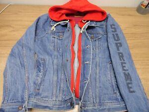 e3b6a394a046 Supreme x Levi s Fleece Hood Trucker Jacket Denim Red size S