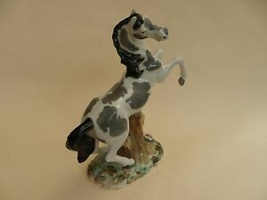 Hecho-A-Mano-Horse-Figurine-10-034-overall-height