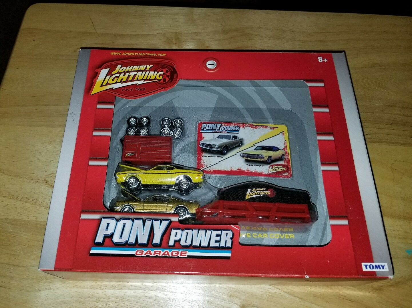 Johnny ljusning Pony Power Garage (Mustang, Challenger) Die cast Set 1 64 Ny