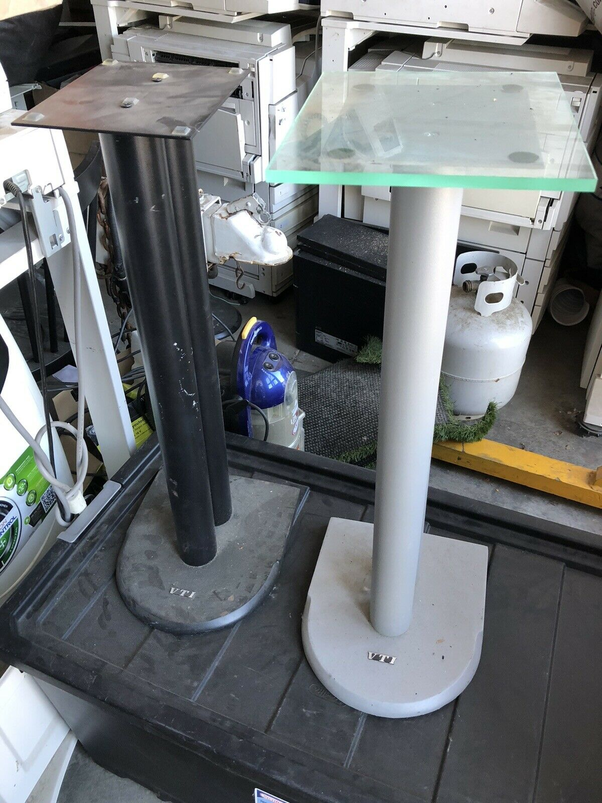"24/"" Black Free Ship Brand New VTI VSP24B Pair Speaker Stands"