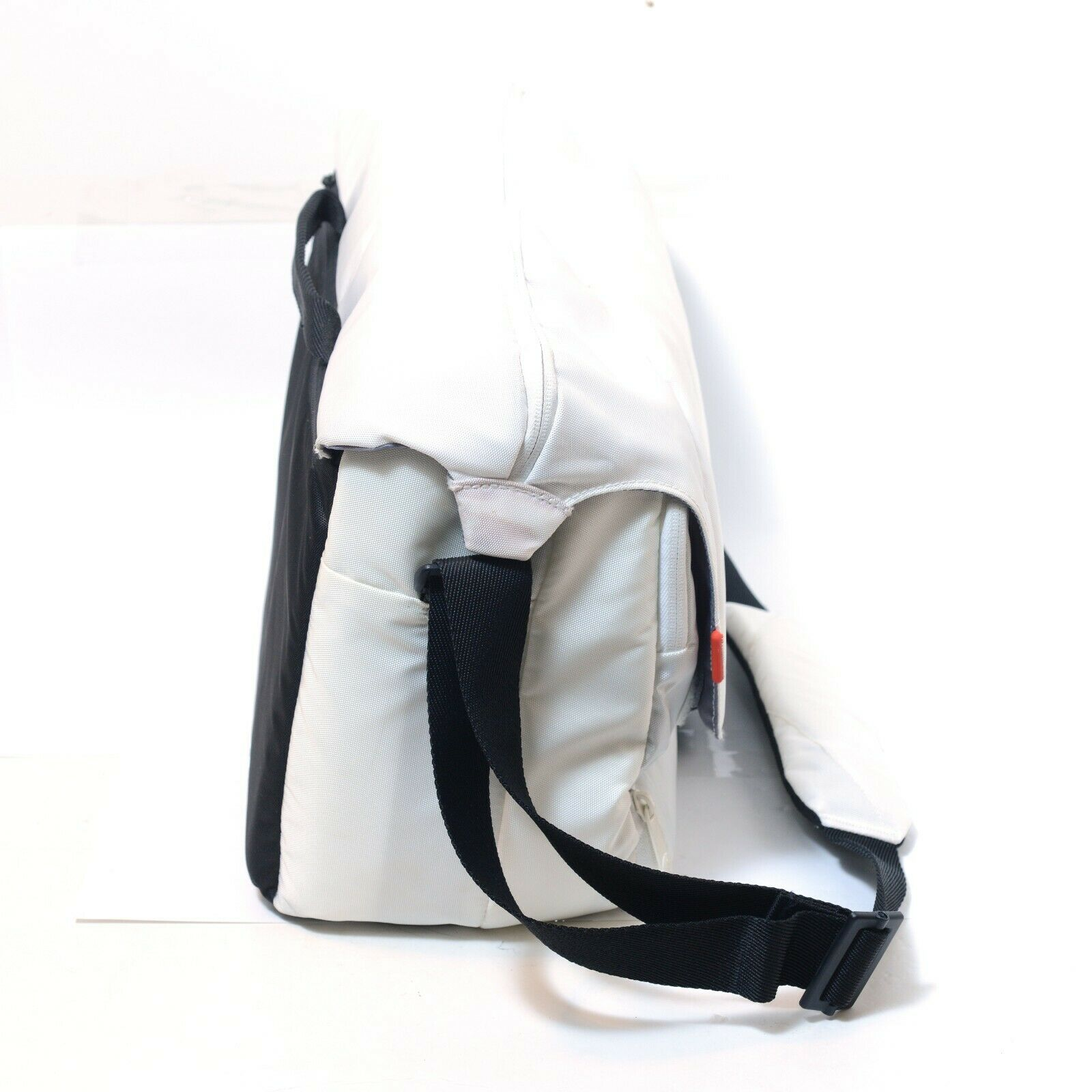 Manfrotto Unica V Messenger White DSLR Camera Lens Shoulder Photography Bag VGC