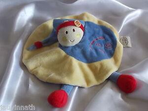 Doudou-lutin-rond-jaune-bleu-et-grenat-Un-reve-de-bebe