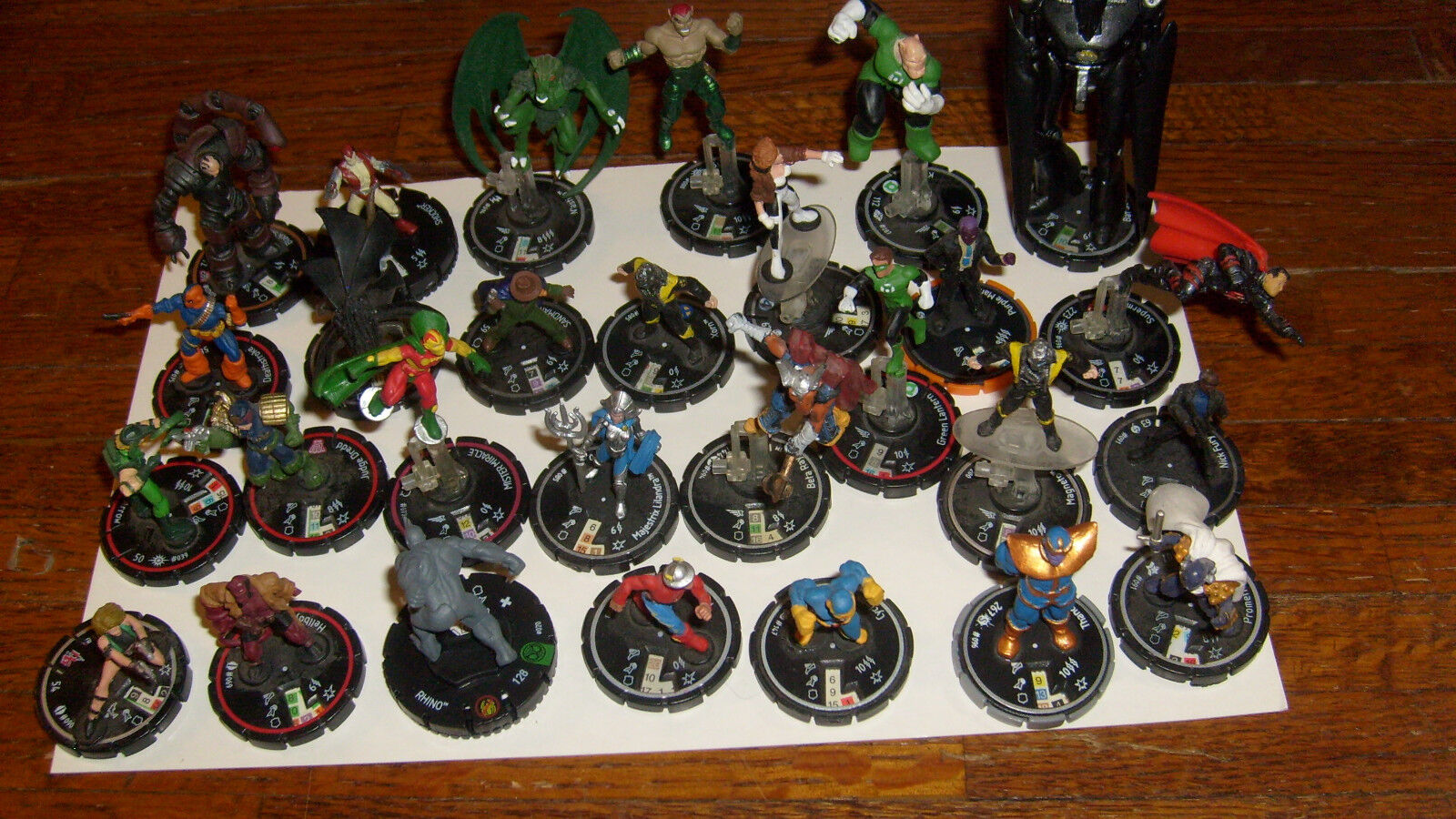 HEROCLIX  28 DC & MARVEL characters, hopefully RARE, UNIQUE OR AT LEAST UNCOMMON