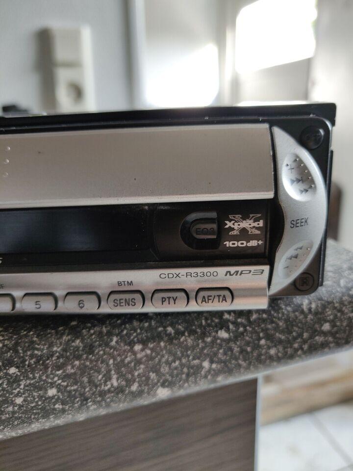Sony CDX-R3300, CD-skifter