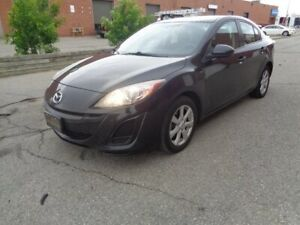 2011 Mazda 3 AUTO*** SUPER CLEAN *** WE FINANCE EVERYONE***LOW KM'S***