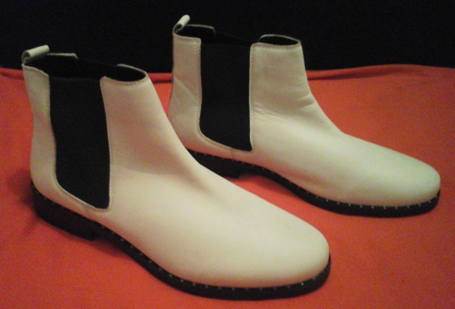 Steve madden white leather boots size 8