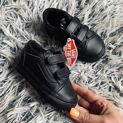 Baby boys trainers in Calderdale for £5.00 for sale | Shpock