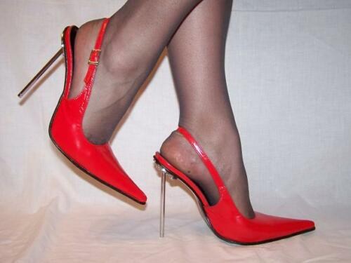 POLAND PRODUCER BLACK OR RED 100/% PATENT LEATHER PUMPS SIZE 5-16 HEELS-5,5/'