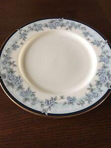 Image is loading LOT-OF-4-NORITAKE-BELLEFONTE-9731-BLUE-FLORAL- & LOT OF 4 NORITAKE BELLEFONTE 9731 BLUE FLORAL DESIGN DINNER PLATES ...
