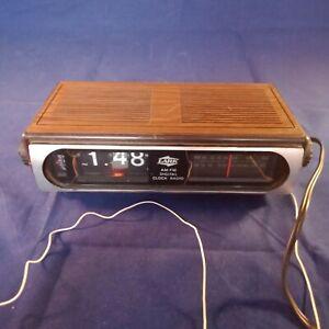Lark-AM-FM-Digital-Flip-Clock-Radio-Retro-Vintage-Works-Well