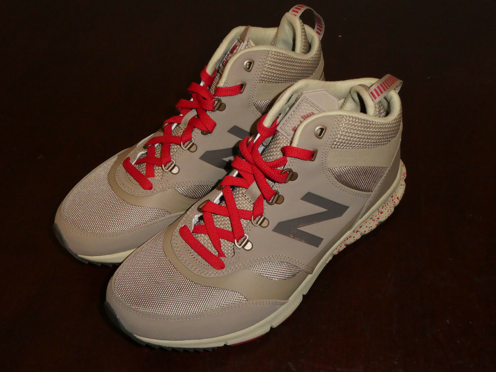 Mens New Balance 710 shoes HVL710AC Sneakers new Size 9.5