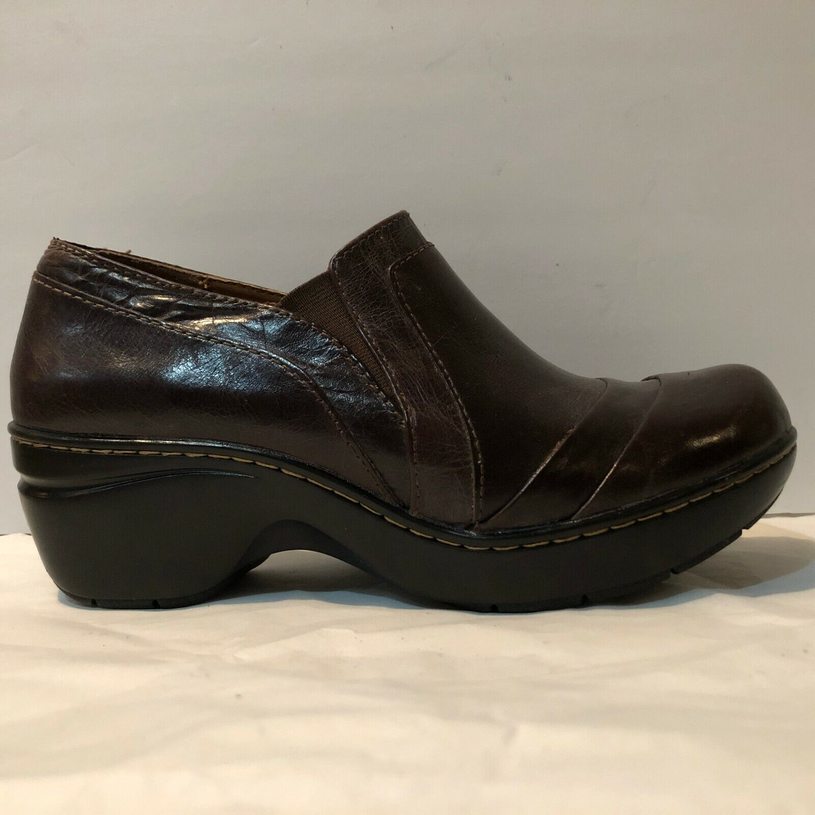 Sofft Brown Leather Comfort Clogs Women's Size 7.5